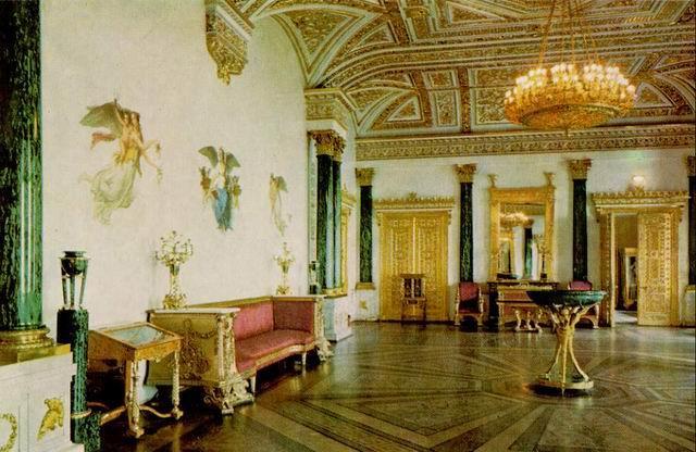 http://spb-palaces.narod.ru/malahit_hall.jpg